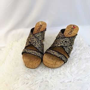 XOXO Cork Wedge Slide Sandals Sz 6 Gold Black Spar